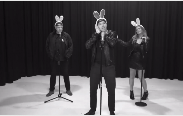 Download link for the Hot Cross Buns song!...