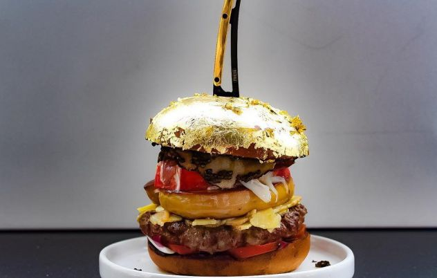 This is what a $3000 burger looks like!
