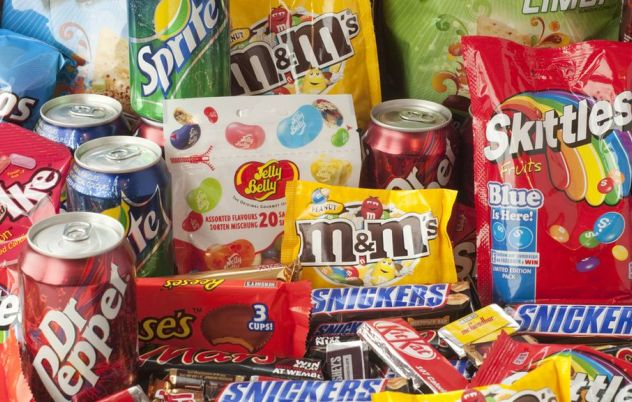 Experts looking to stamp junk food with health warning labels